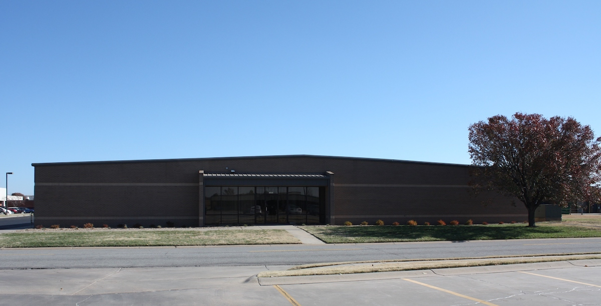 1962 Midfield road · Wichita, KS 67209 · 16,897 SF · Office For Lease