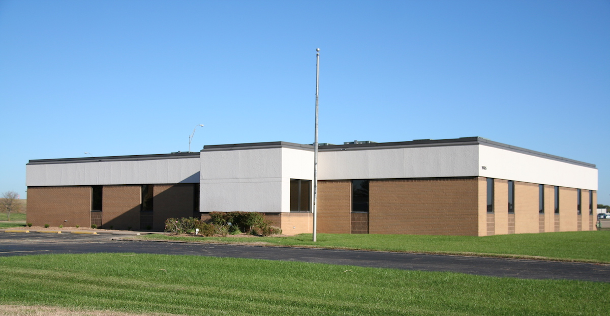 Building 2 · 1935 S Midfield Rd Wichita, KS • 7,150 SF • Building for Lease