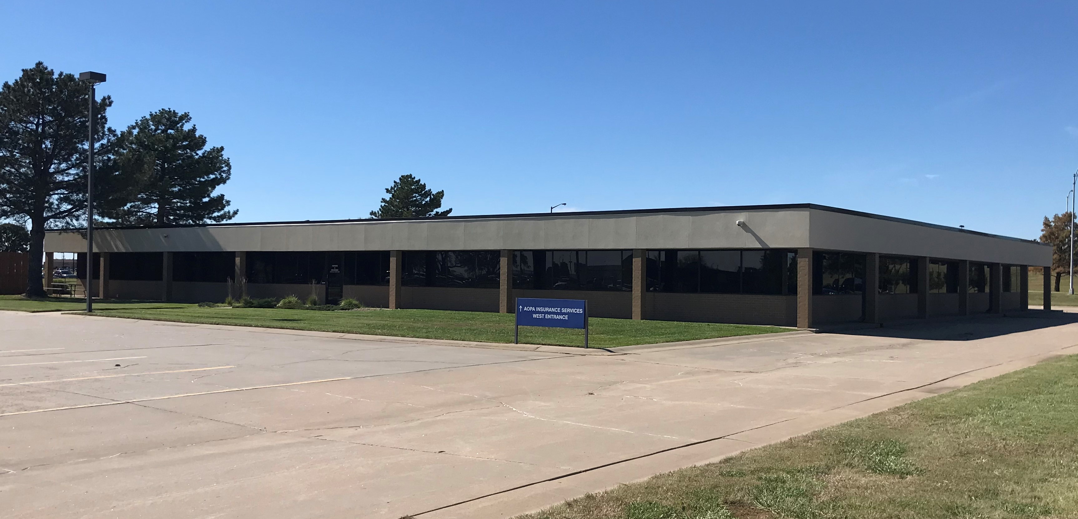 Building 2 · 1995 S Midfield Rd Wichita, KS •  17,634 SF • Building for Lease