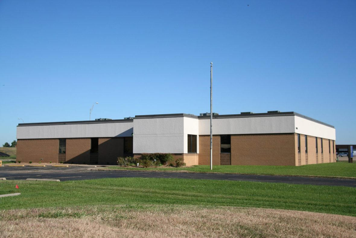 Building 5 1935 S. Midfield Rd. 7,150 Sq. Ft. Office Space